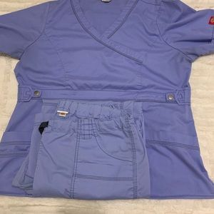 WomenS Ceil blue scrub set.